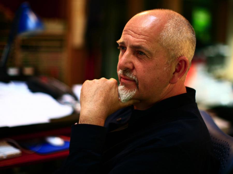Peter Gabriel sprawdzi, jak będą korzystały z internetu?