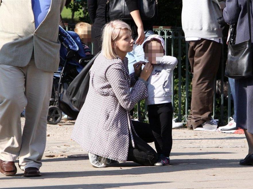 Edyta Pazura świetnie zajmuje się córką.