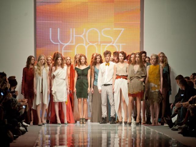 ŁUKASZ JEMIOŁ - pokaz kolekcji wiosna/lato 2012 na Fashion Week Poland Łódź.