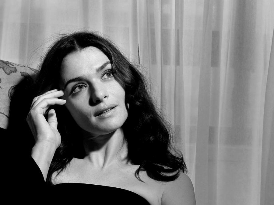 ... nie mniej cudowna od Bonda Rachel Weisz!