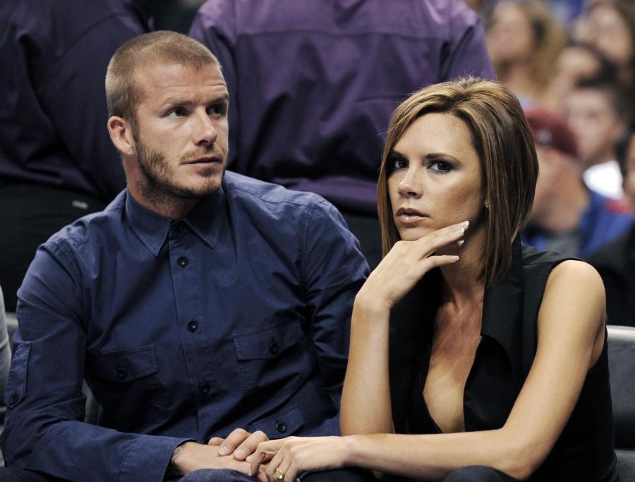 Posh została zdradzona przez Davida Beckhama z nianią ich syna, Rebeccą Loos. Victoria była wtedy w ciąży, nosząc w brzuchu kolejne dziecko słynnego piłkarza.