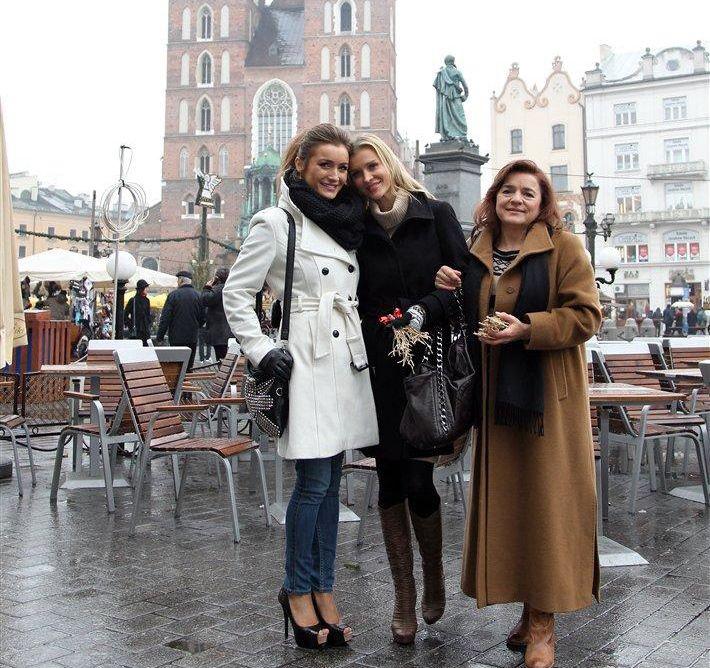 Joanna i Marta z mamą