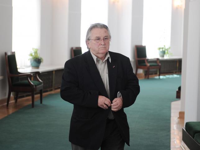 Kazimierz Kutz. 83-letni reżyser, poseł i senator przegrał wiele procesów, m.in. z byłym prezesem TVP Robertem Kwiatkowskim za nazwanie go ćwokiem bez kultury i politrukiem