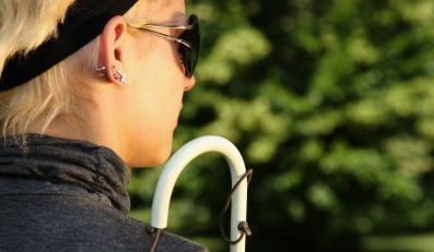 Niewidoma kobieta