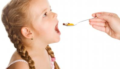 Zdrowe dzieci niepotrzebnie przyjmują preparaty multiwitminowe