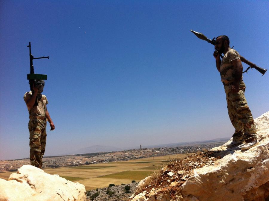 Syryjscy rebelianci na wzgórzach