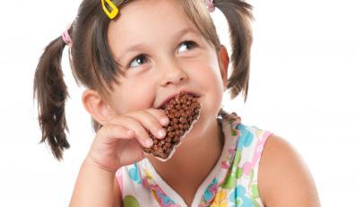 Dziecko je słodycze