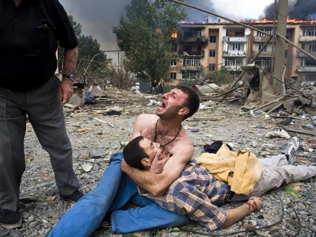 Rosyjskie samoloty zbombardowały osiedle w Gori