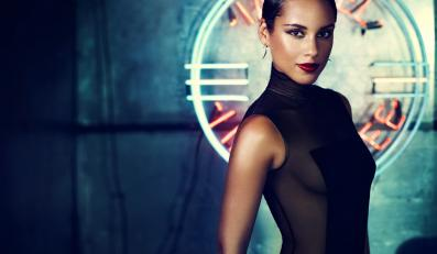 "Alicia Keys z ""Girl on Fire"" podczas MTV Video Music Awards"