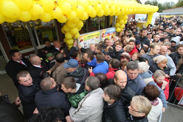 Otwarcie 2000. sklepu Biedronka w Polsce