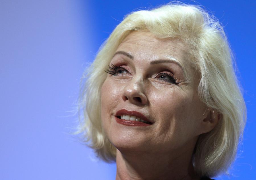 Debbie Harry i Blondie grająnowe piosenki