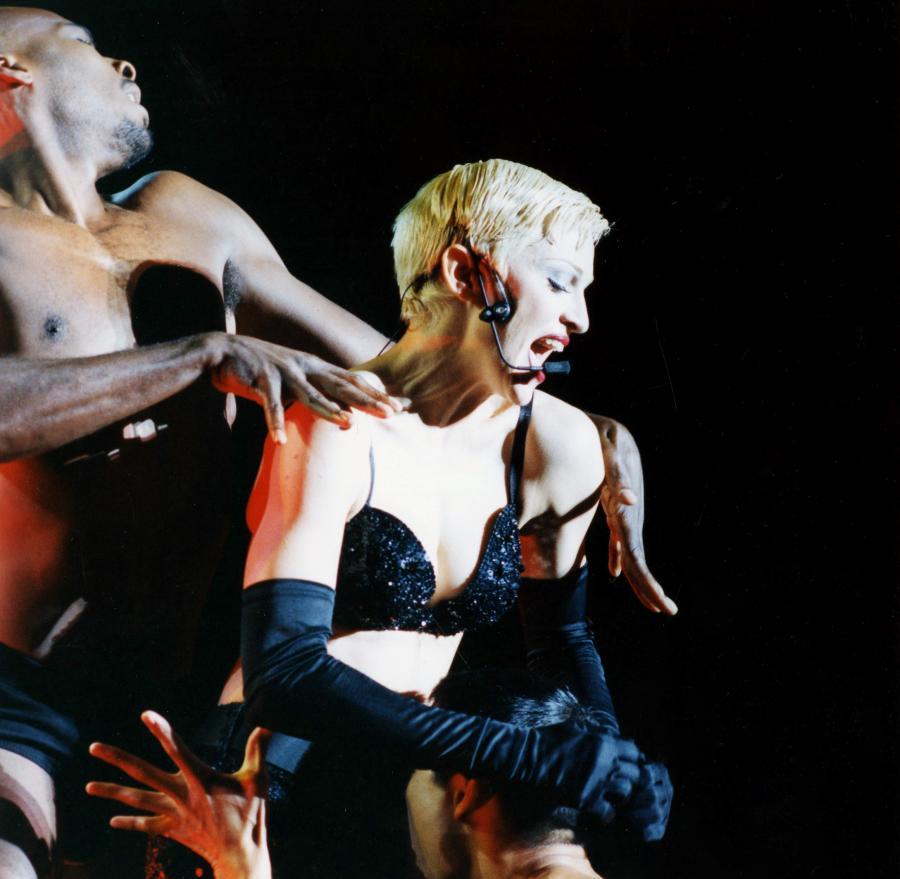 Madonna w 1992 roku zafundowała światu terapię szokową