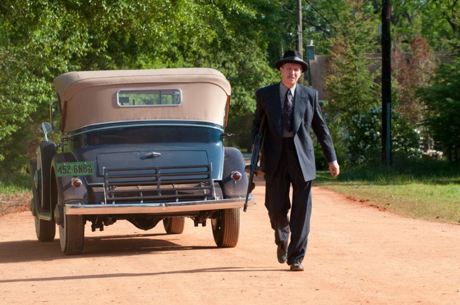 """Gary Oldman w filmie """"Gangster"""""""