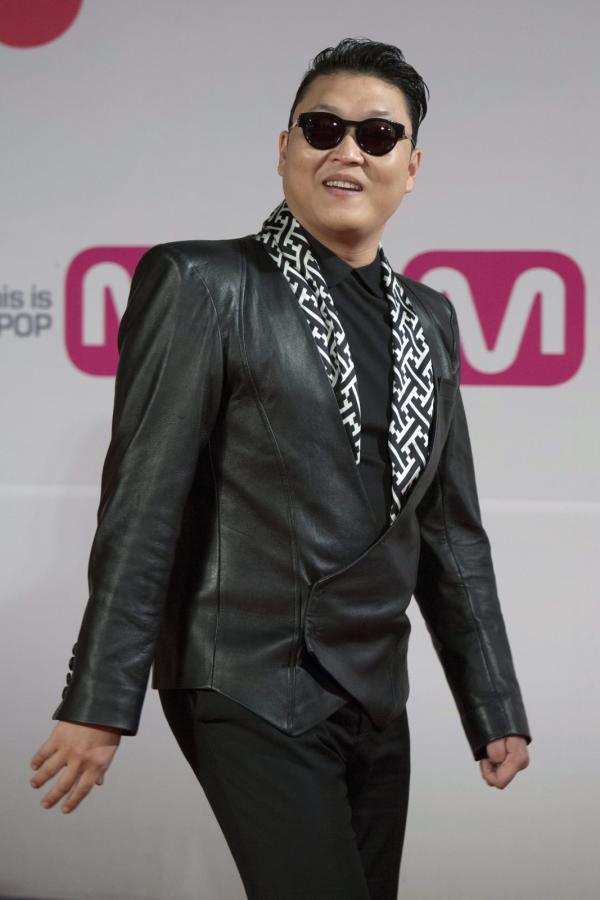 PSY na gali 2012 Mnet Asian Music Awards w Hong Kongu
