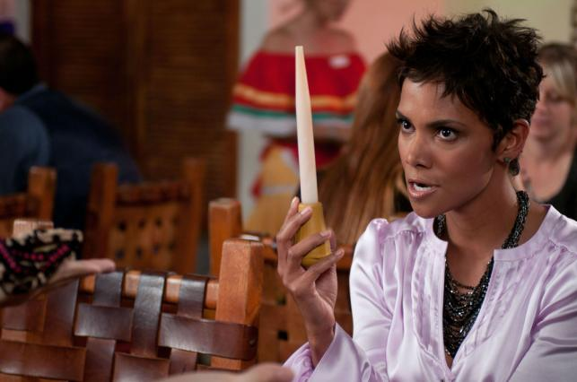 "Halle Berry w filmie ""Movie 43"""