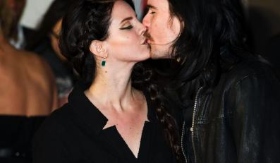 Lana Del Ray i Barrie James O'Neil na gali Brit Awards 2013