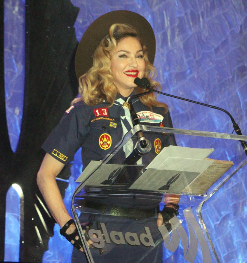 Madonna jako skautka na gali GLAAD Media Awards 2013