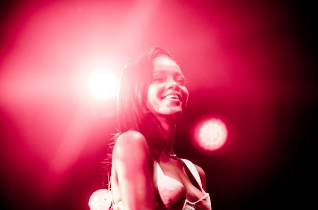 1. Rihanna królową YouTube