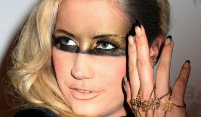 "Ke$ha o sobie w ""My Crazy Beautiful Life"""