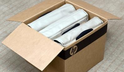 Laptop w torbie zamiast w kartonie i folii