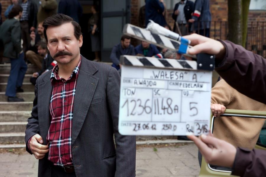 """Robert Więckiewicz jako Lech Wałęsa w filmie """"Wałęsa. Człowiek z nadziei"""""""