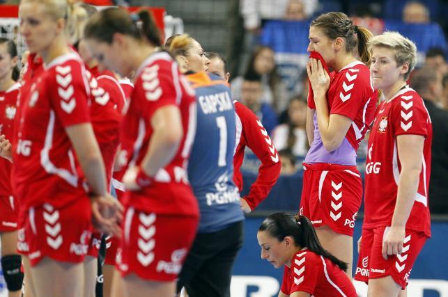 Smutek i łzy polskich szczypiornistek po porażce z Danią