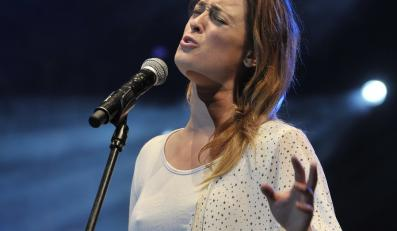 Matylda Damięcka śpiewa Bowiego