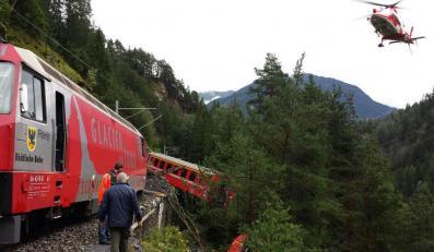 Wykolejone wagony pociagu