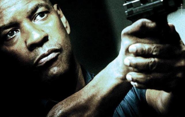 """Denzel Washington w filmie """"Bez litości"""""""