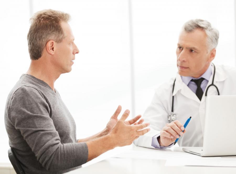 Mężczyzna u lekarza