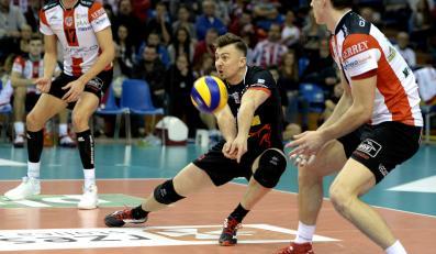 Siatkarze Asseco Resovii Rzeszów: Nikolay Penchev (L), Krzysztof Ignaczak (C) i Rafał Buszek (P) podczas meczu PlusLigi z Transferem Bydgoszcz