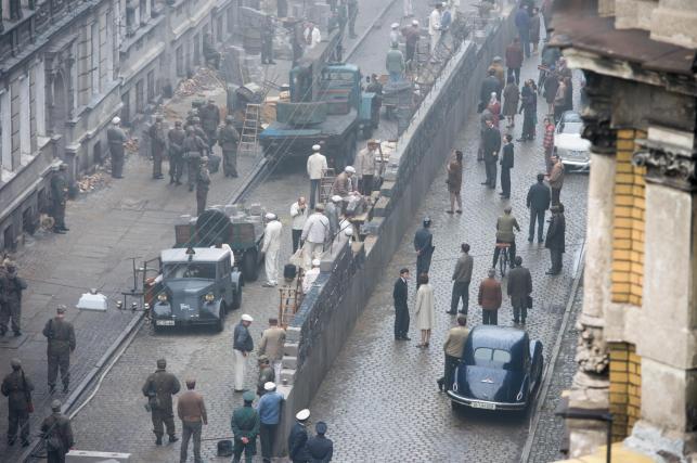 """Na ulicy Mierniczej we Wrocławiu ruszyły 17 bm. zdjęcia do najnowszego filmu Stevena Spielberga """"St. James Place"""""""