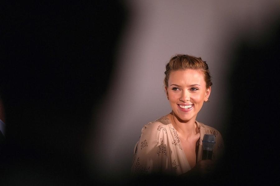 Śpiewać aktorka też może... Scarlett Johansson