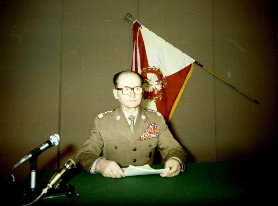 Generał Wojciech Jaruzelski przed ogłoszeniem stanu wojennego (źródło: \