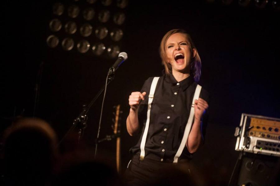 Kasia Stankiewicz podczas koncertu w warszawskiej Stodole