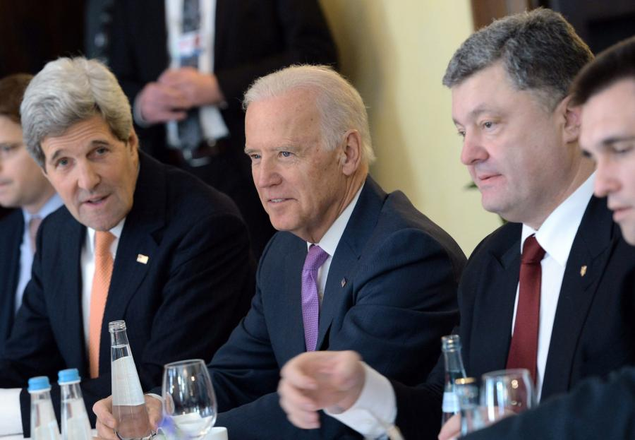 John Kerry, Joe Biden i Petro Poroszenko