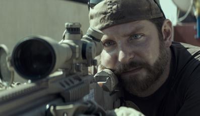 """""""Snajper"""" –Bradley Cooper w kolejnej świetnej roli"""
