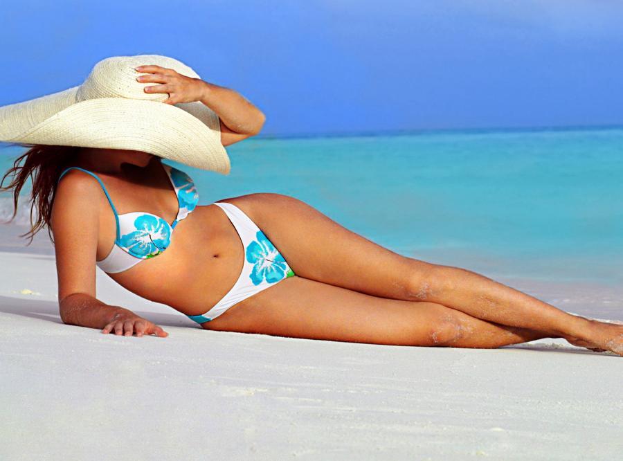 Co włożyć na siebie (nie tylko) na plaży?