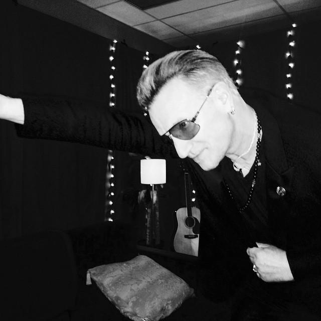 Spektakularny upadek na początek nowej trasy U2 [ZDJĘCIA]