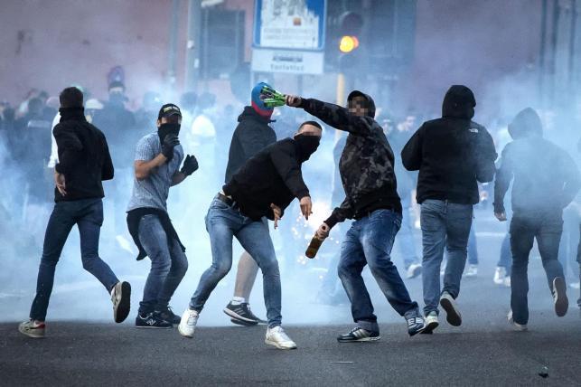 Bitwa kibiców przed mecze Lazio - Roma