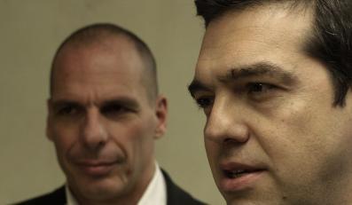 Premier Grecji Alexis Tsipras i minister finansów Janis Warufakis