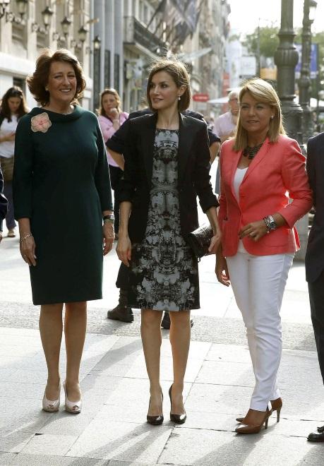 Królowa Letizia na spotkaniu z przedstawicielkami Hiszpańkiego Stowarzyszenia przeciw Rakowi
