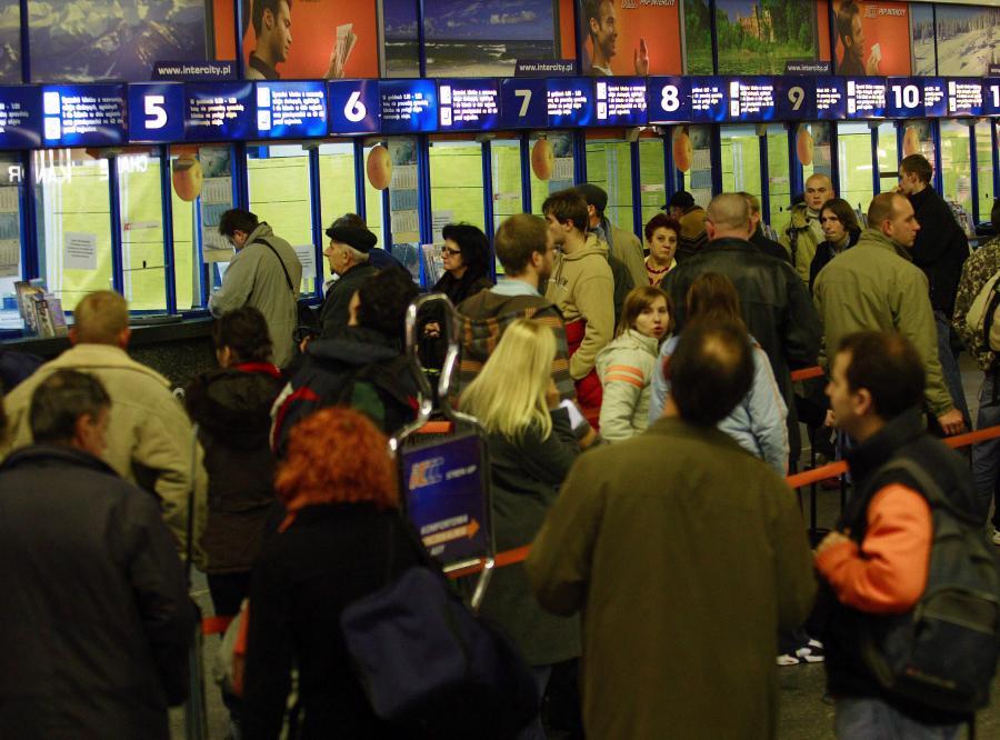 Na święta podróżni utknęli na dworcach