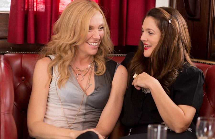 Drew Barrymore i Toni Collette w filmie \