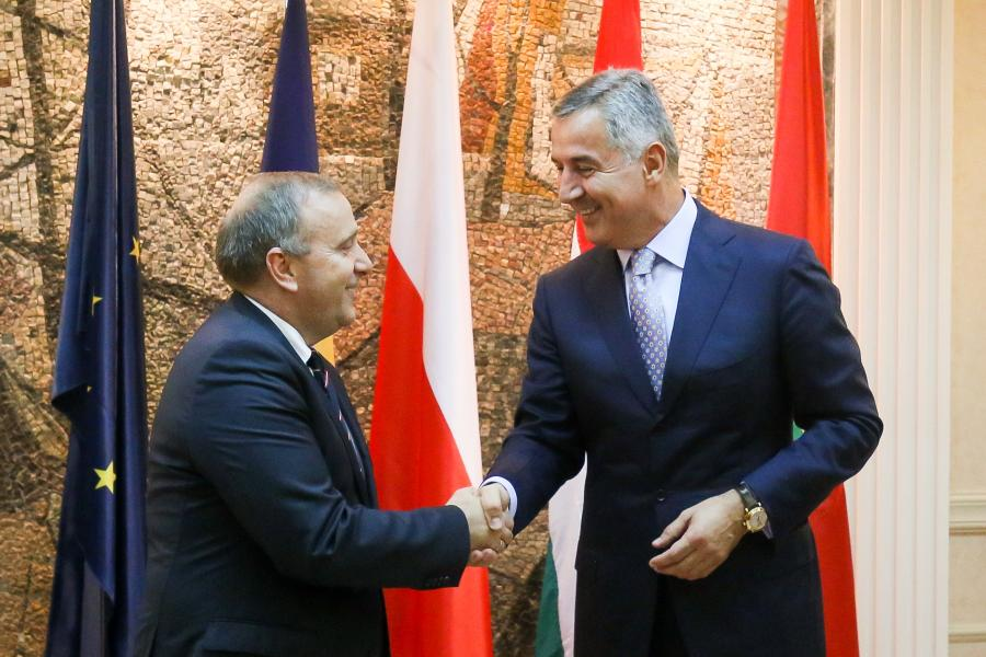 Minister spraw zagranicznych Grzegorz Schetyna i premier Czarnogóry Milo Djukanovic