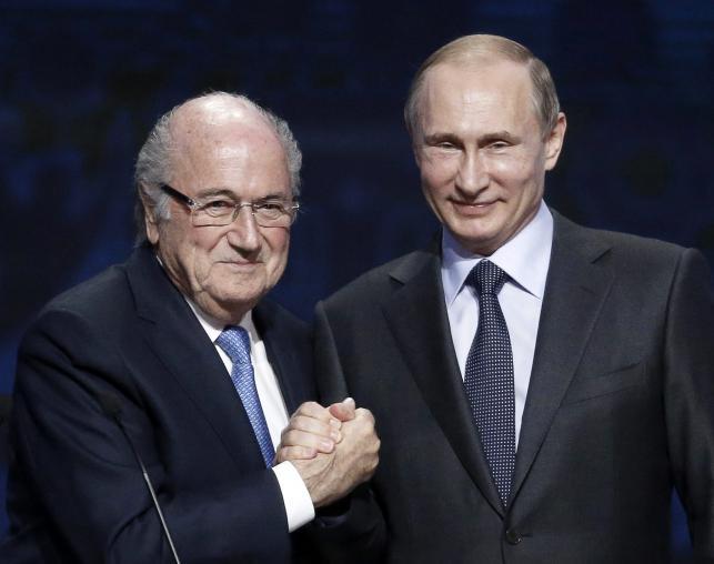 Blatter i Putin zacieśniają swoje relcje. Kwitnie miłość szefa FIFA i prezydenta Rosji