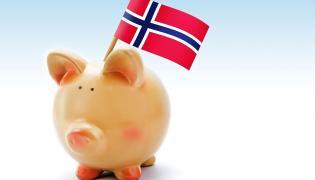 Świnka skarbonka z flagą Norwegii