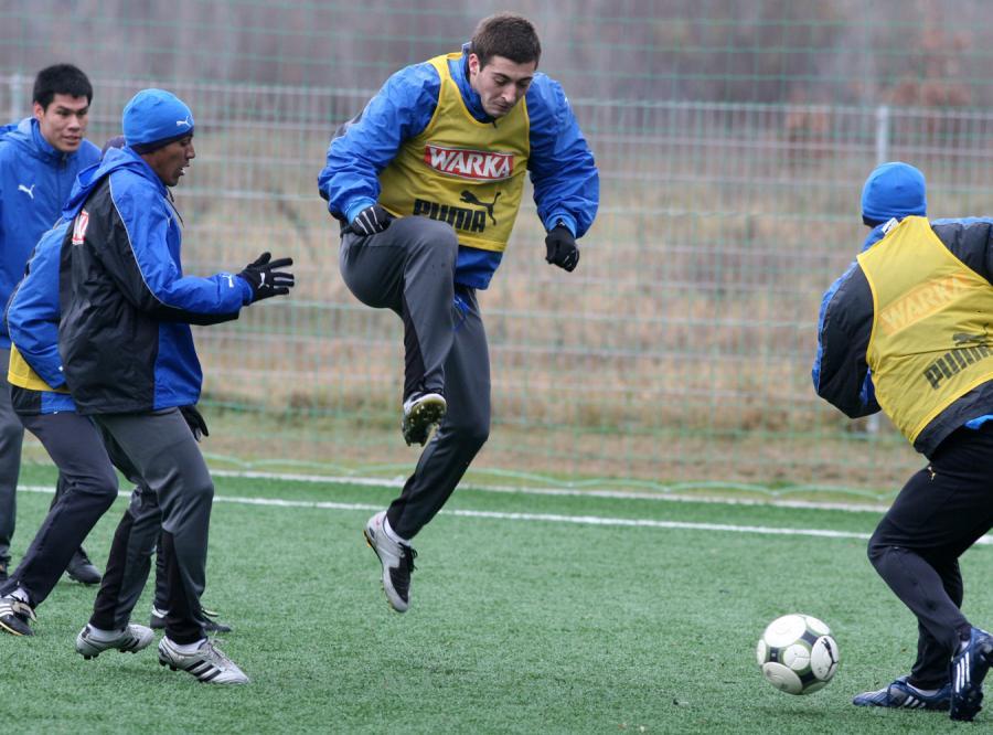 Lech trenował na boisku podstawówki