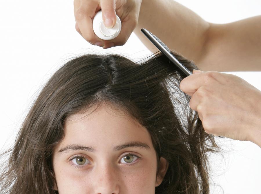 4. Lakier do włosów