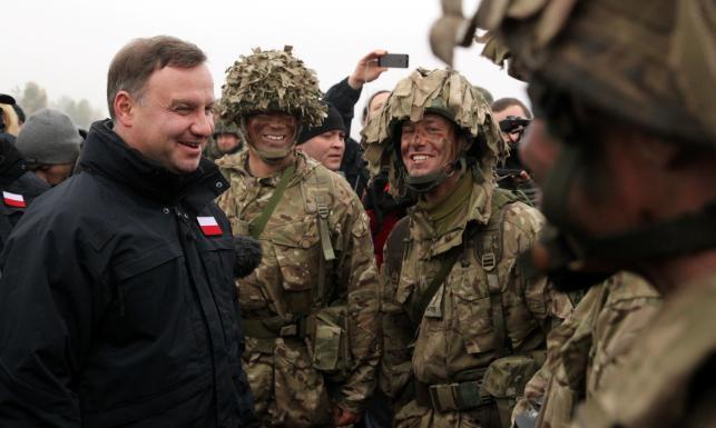 Prezydent Andrzej Duda na manewrach w Orzyszu